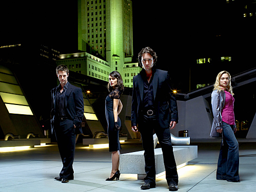 Vampires Josef (Jason Dohring), Coraline (Shannyn Sossamon) and Mick St. John (Alex O'Loughlin) and the (human) reporter Beth Turner (Sophia Myles)