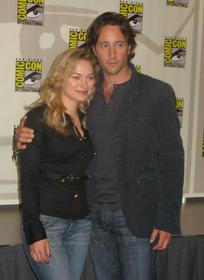 Sophia Myles and Alex O'Loughlin